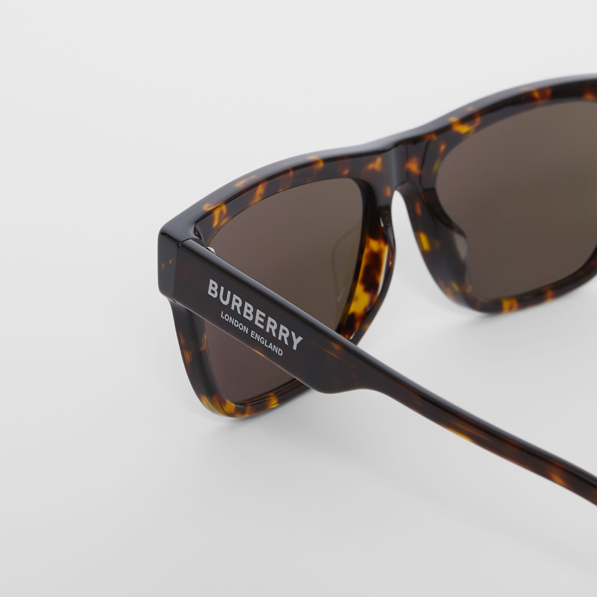 Square Frame Sunglasses in Tortoiseshell - Men | Burberry - gallery image 1