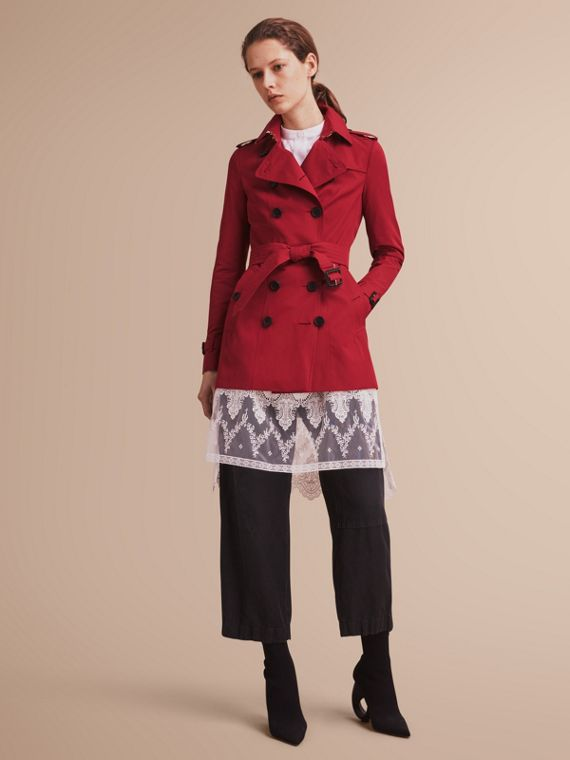The Sandringham – Short Heritage Trench Coat in Parade Red - Women | Burberry