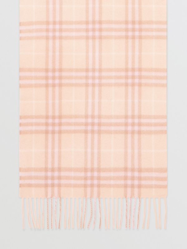 The Classic Vintage Check Cashmere Scarf in Dusty Pink | Burberry - cell image 2