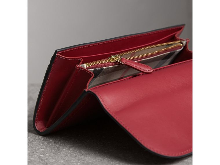 Textured Leather Continental Wallet in Parade Red - Women | Burberry - cell image 4