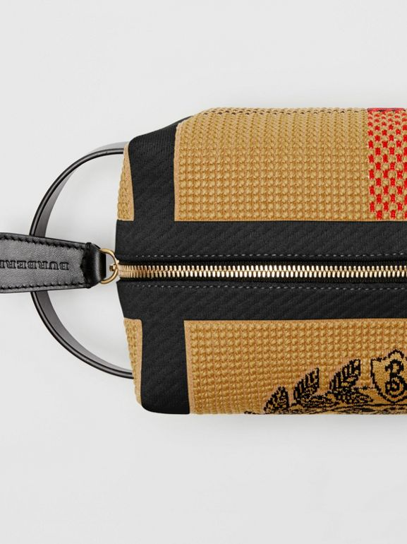 Archive Crest Knitted Pouch in Black | Burberry United States - cell image 1