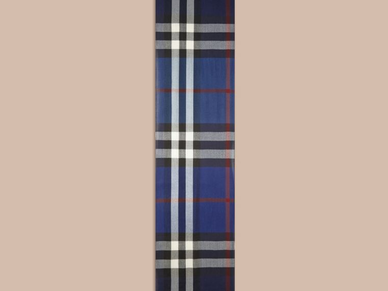 Lightweight Check Wool Cashmere Scarf in Navy | Burberry Australia - cell image 4