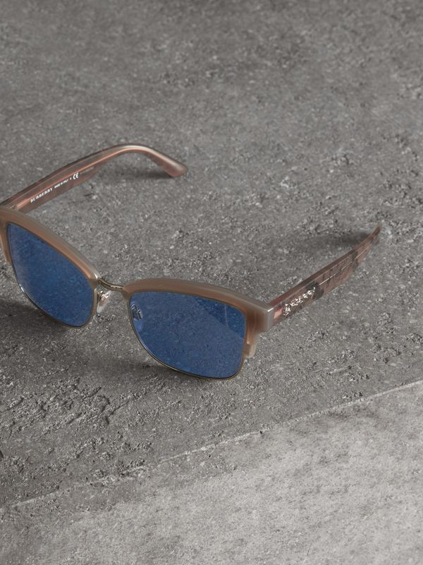 Doodle Square Frame Sunglasses in Trench - Women | Burberry - cell image 3