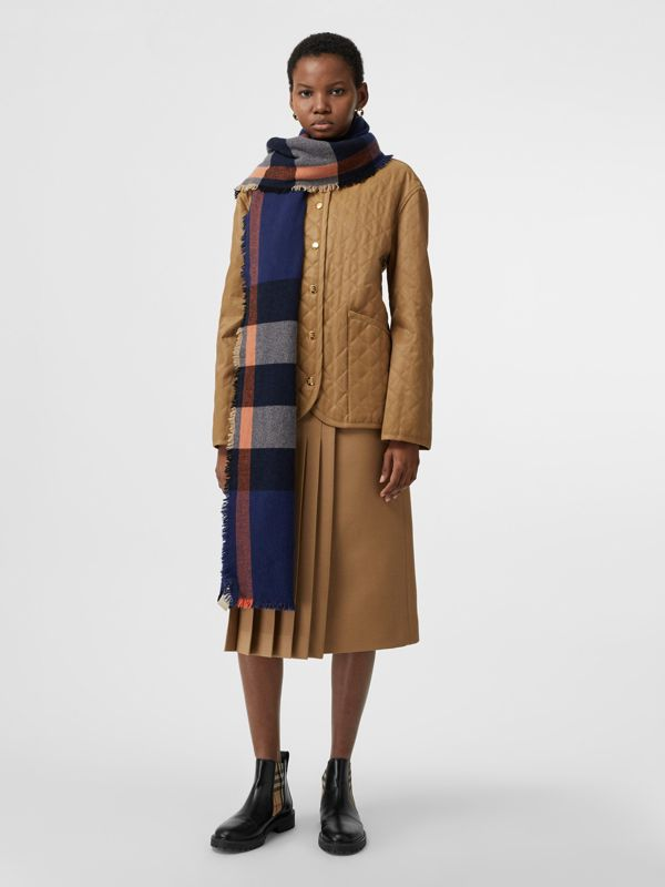 Fringed Check Wool Cashmere Scarf in Ink Blue | Burberry United States - cell image 2