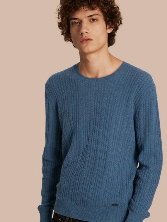 Pullover in cashmere con lavorazione Aran Blu Ortensia
