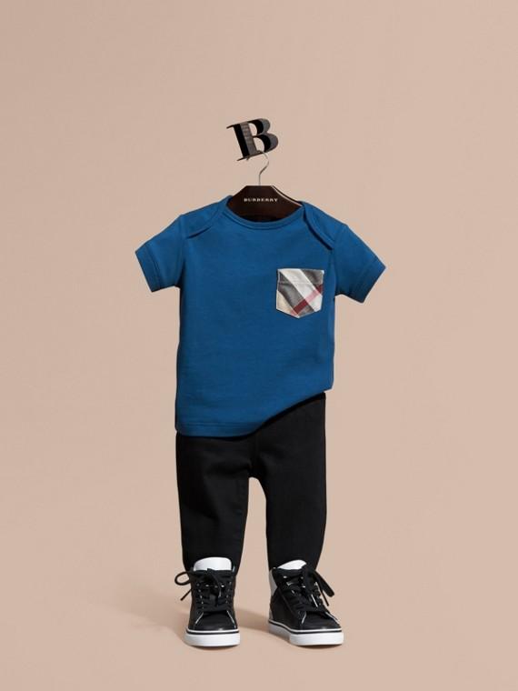 T-shirt avec poche à motif check Bleu Minéral