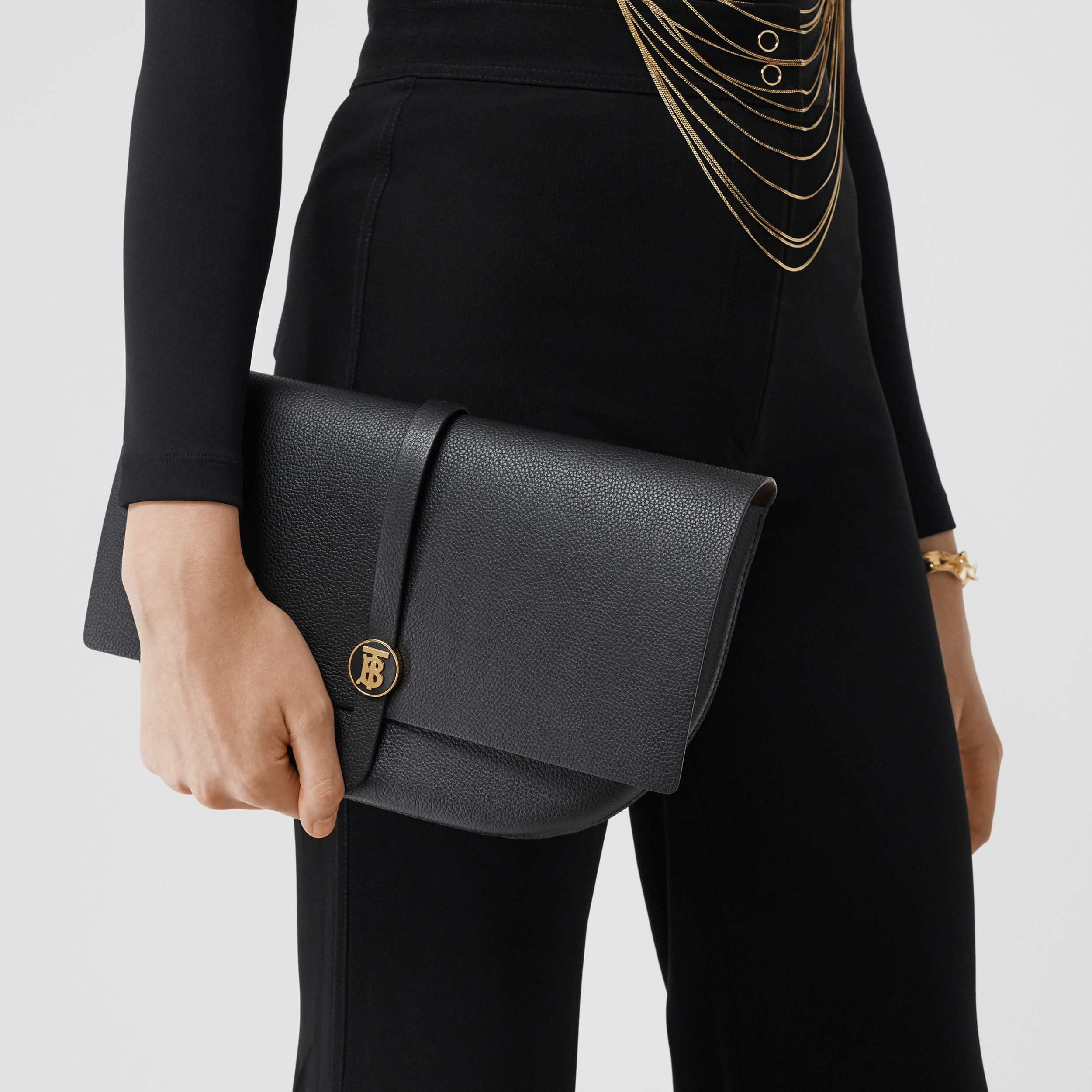 Grainy Leather Anne Clutch in Black - Women | Burberry Australia - 3