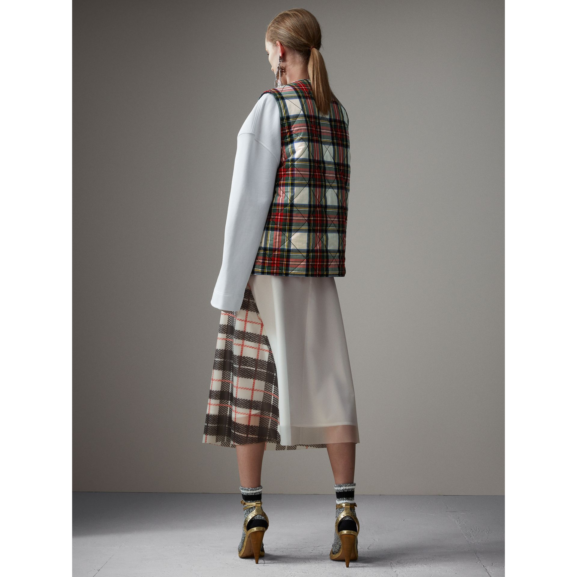 Reversible Tartan Quilted Cotton Gilet in Natural White - Women | Burberry Australia - gallery image 2