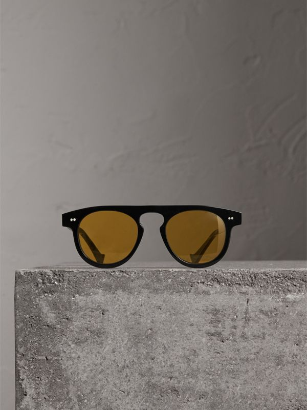 The Keyhole Round Frame Sunglasses in Black/yellow | Burberry Singapore - cell image 3