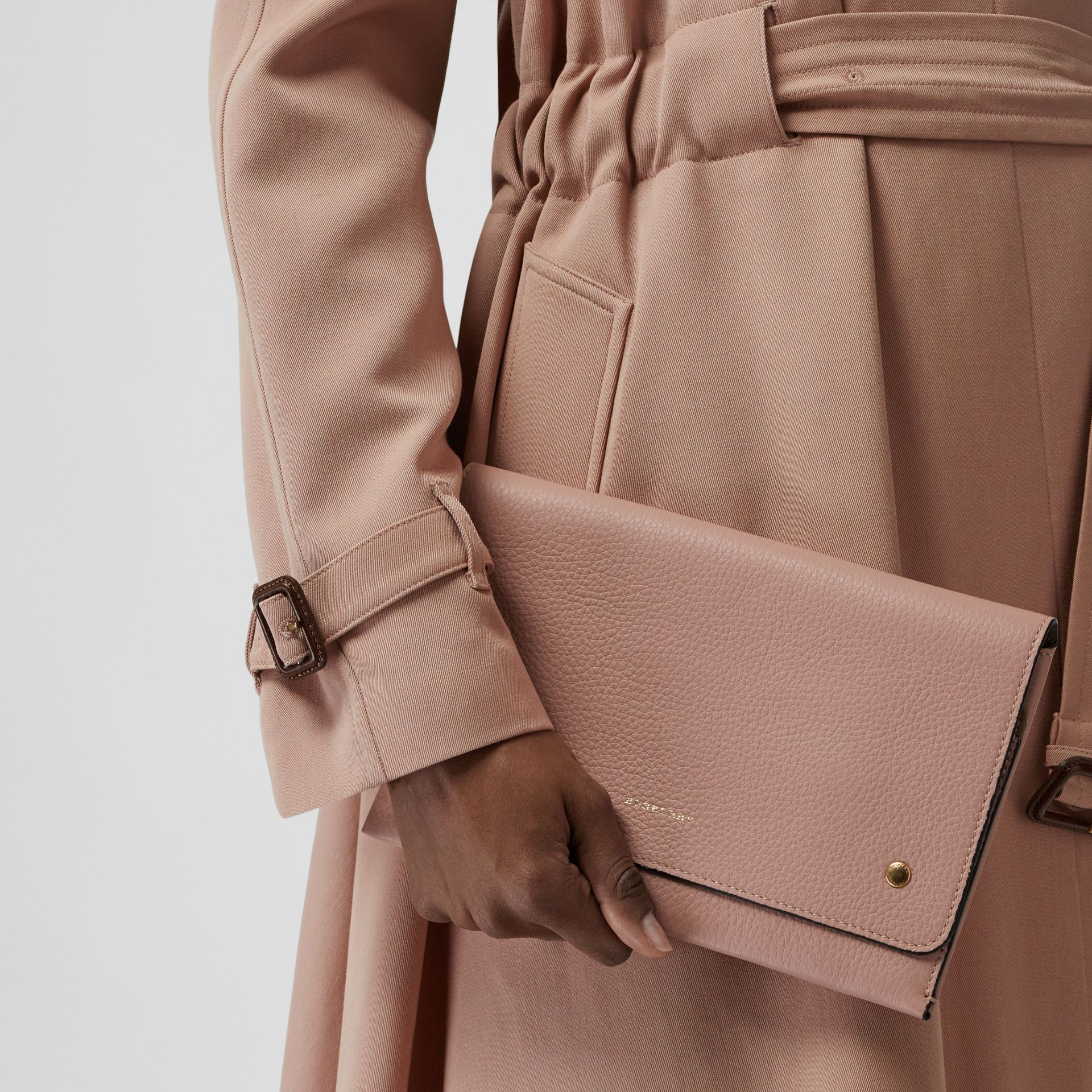 Two-tone Leather Wristlet Clutch in Ash Rose - Women | Burberry United Kingdom - gallery image 3