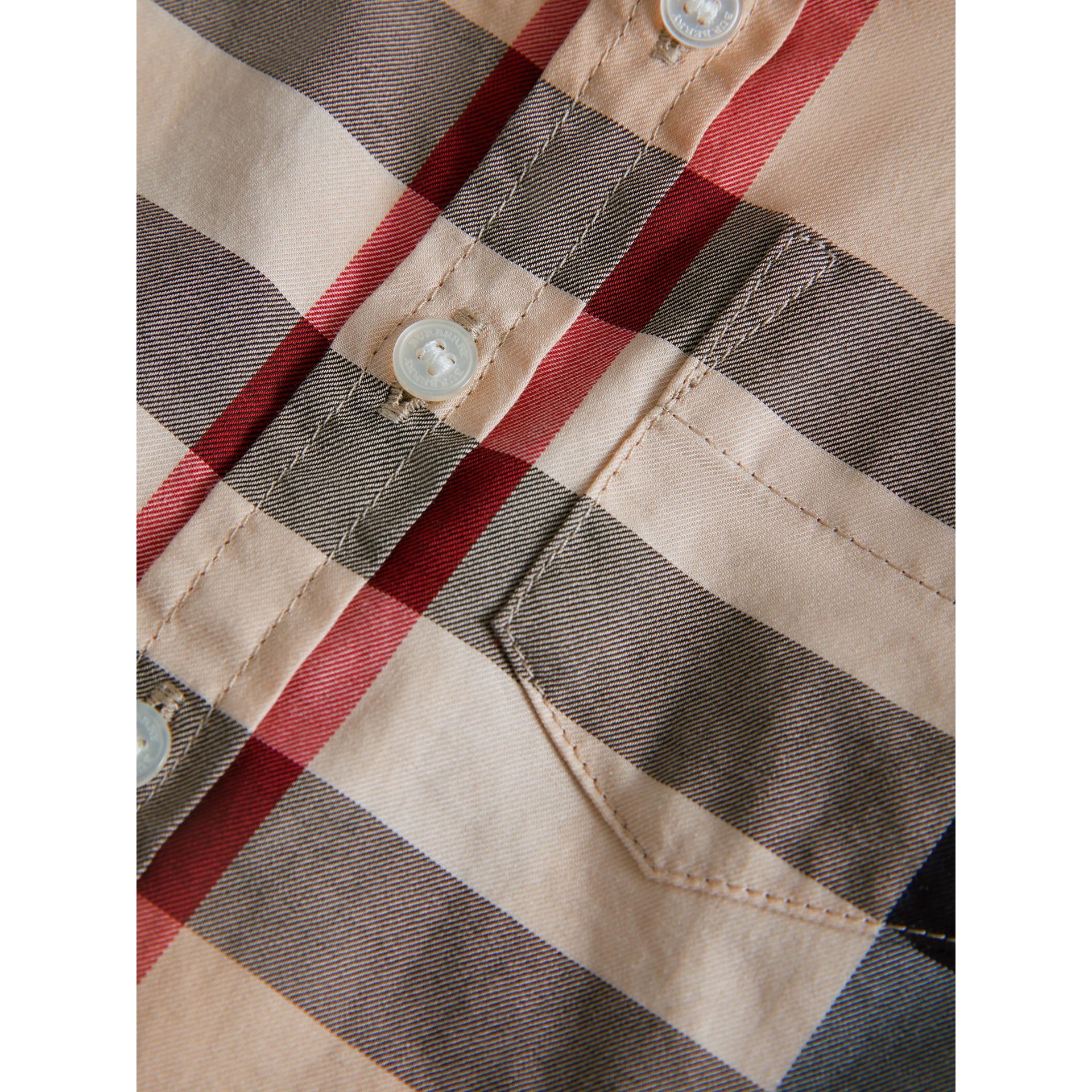 Camisa em sarja de algodão xadrez (Novo  Clássico) - Menino | Burberry - galeria de imagens 1