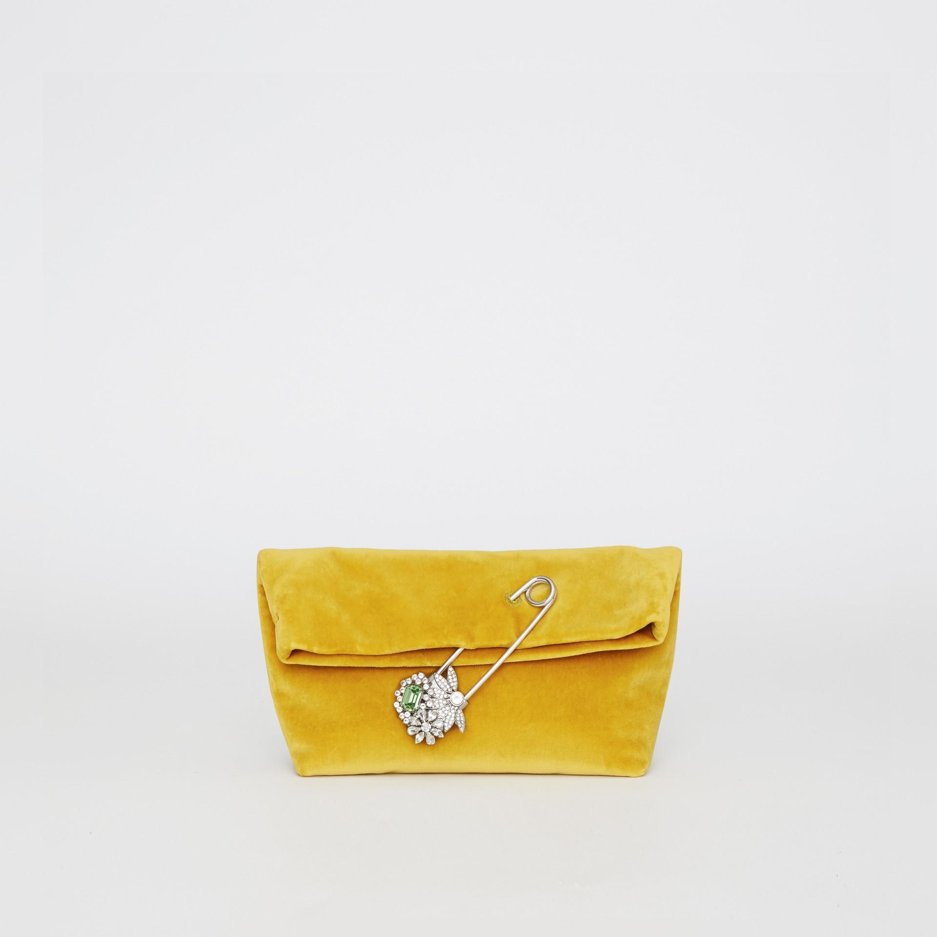 Бархатная сумка Pin Clutch, компактный размер (Желтая Лиственница) - Для женщин | Burberry - изображение 0
