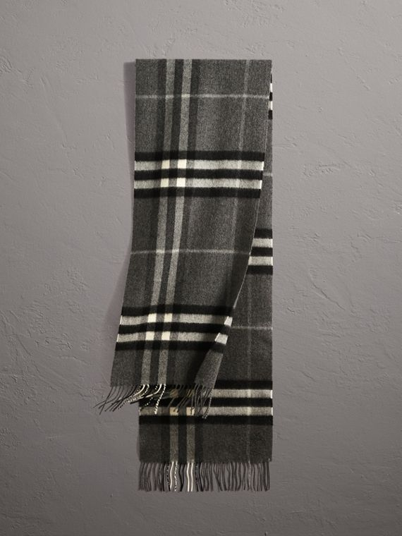 The Classic Check Cashmere Scarf in Mid Grey