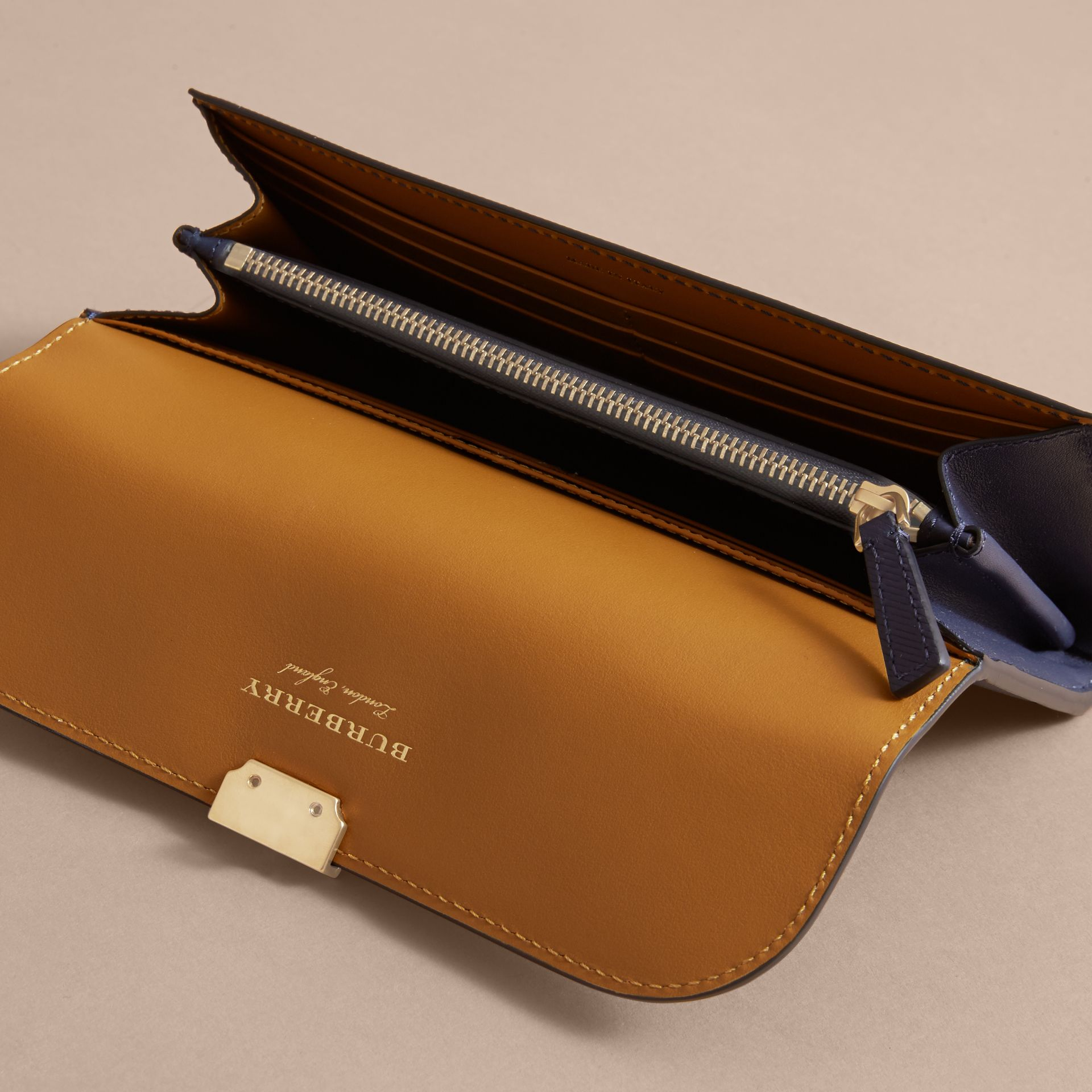 Two-tone Trench Leather Continental Wallet in Ink Blue/ochre Yellow - Women | Burberry United States - gallery image 3