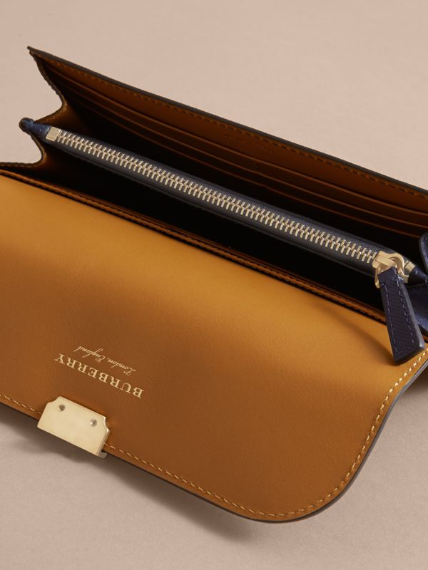 Two-tone Trench Leather Continental Wallet in Ink Blue/ochre Yellow - Women | Burberry - cell image 3