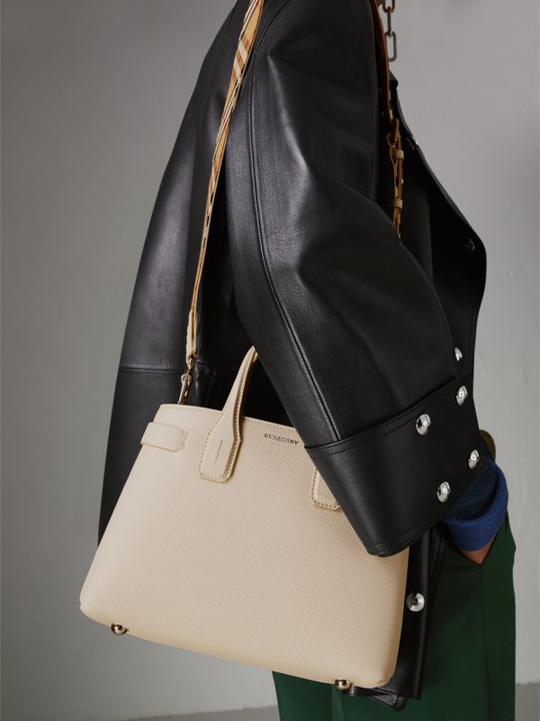 The Small Banner in Leather and Vintage Check in Limestone - Women | Burberry Hong Kong - cell image 3