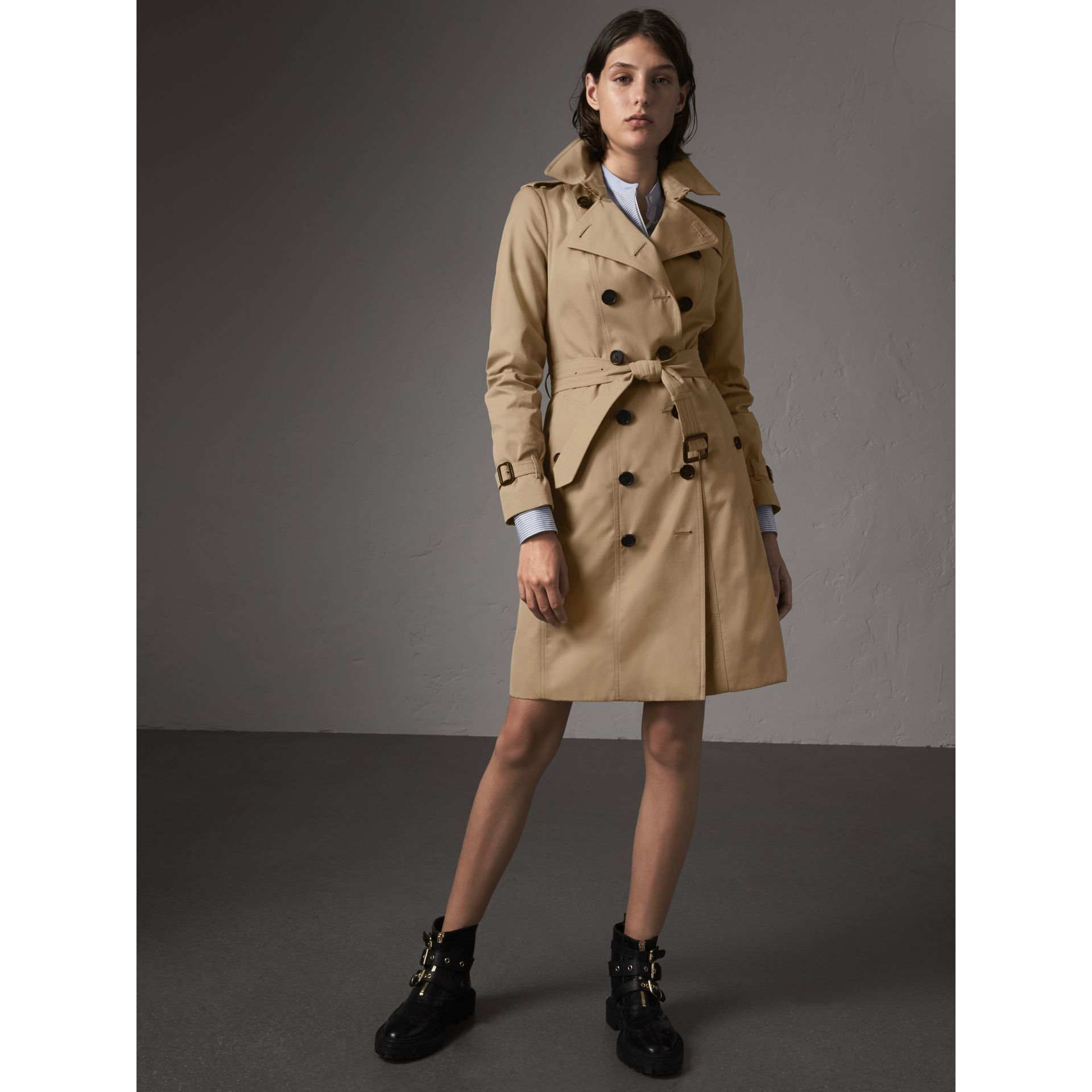 the sandringham long trench coat in honey women burberry united kingdom. Black Bedroom Furniture Sets. Home Design Ideas