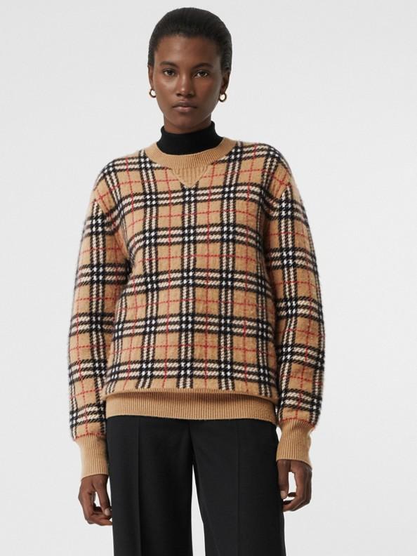 Jacquard-Pullover aus Kaschmir mit Vintage Check-Muster (Camelfarben)