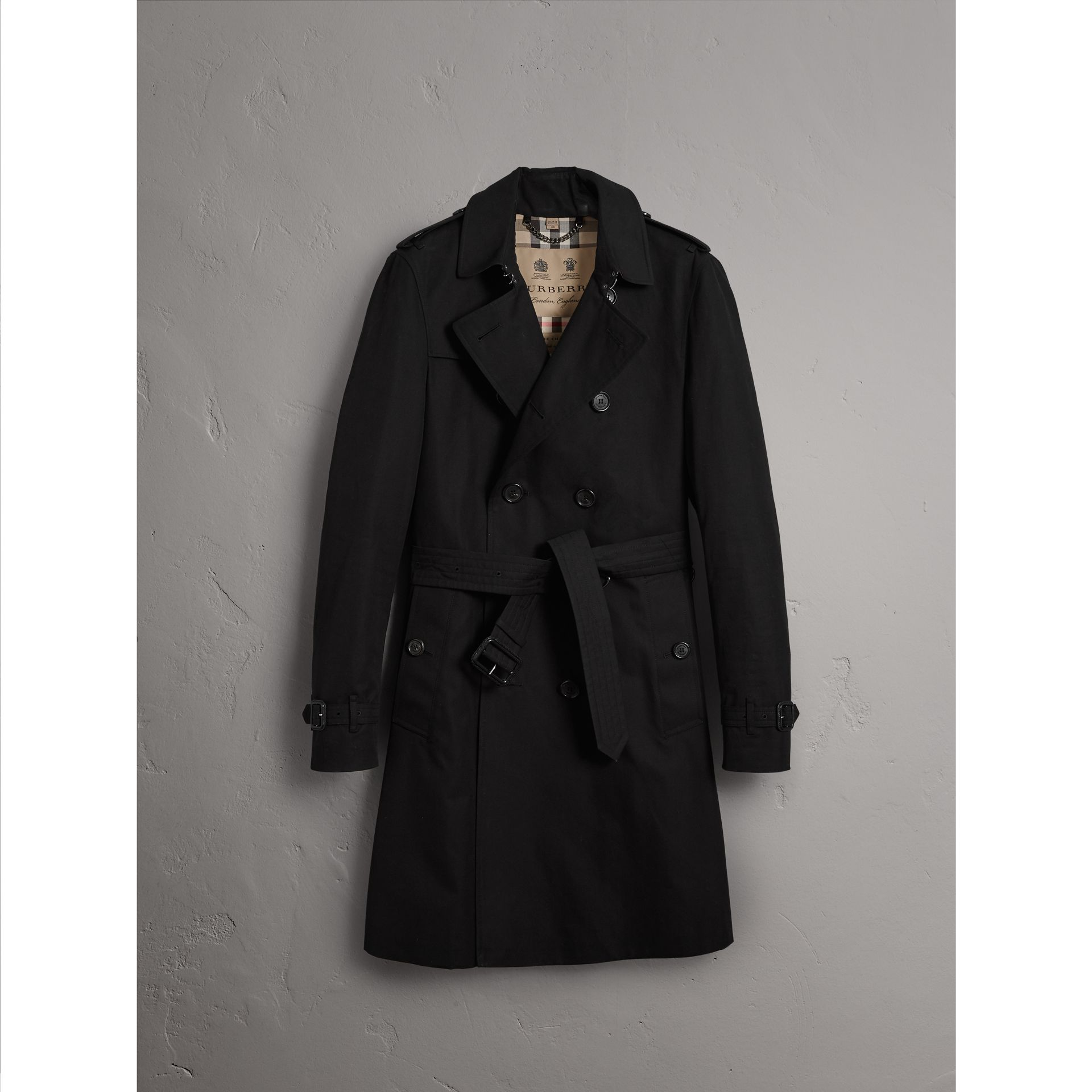 The Chelsea – Long Trench Coat in Black - Men | Burberry - gallery image 3