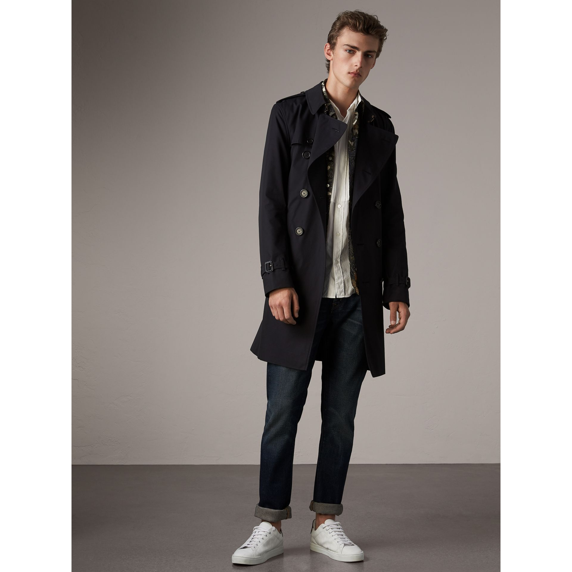 The Kensington – Long Trench Coat in Navy - Men | Burberry United Kingdom - gallery image 1