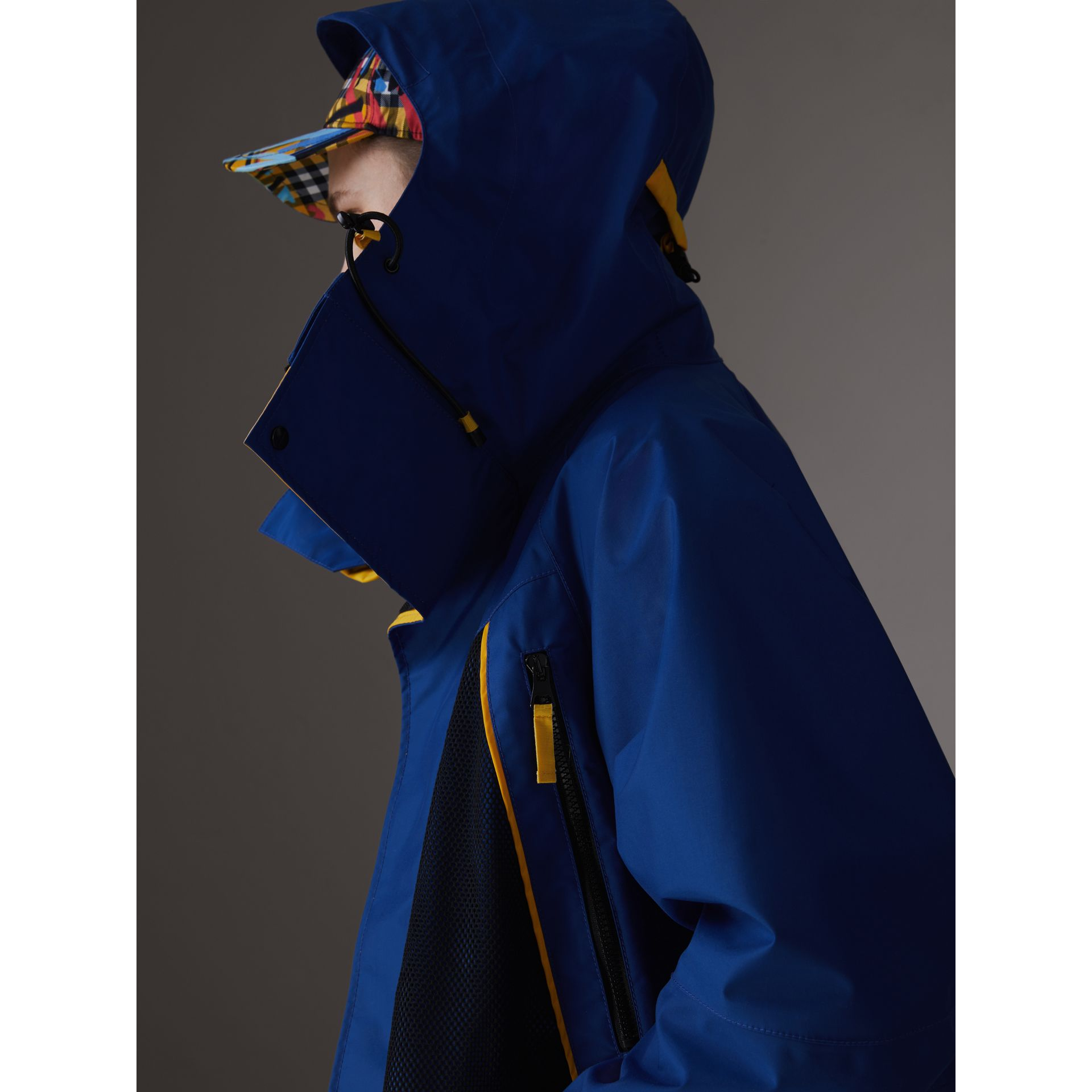 Tri-tone Nylon Hooded Jacket in Bright Navy - Men | Burberry - gallery image 4