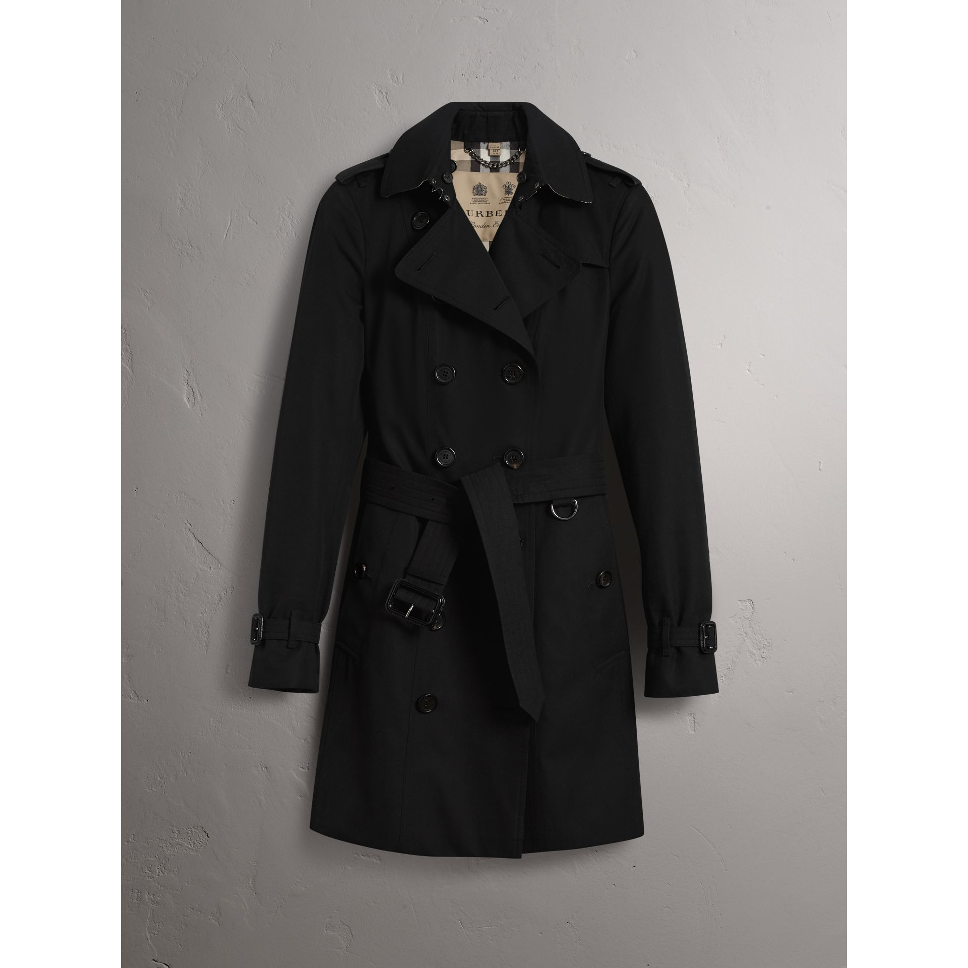 The Sandringham – Trench Heritage mi-long (Noir) - Femme | Burberry - photo de la galerie 4