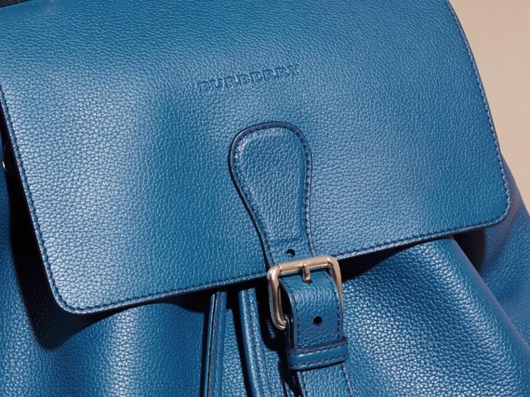 Mineralblau Rucksack aus genarbtem Leder Mineralblau - cell image 1