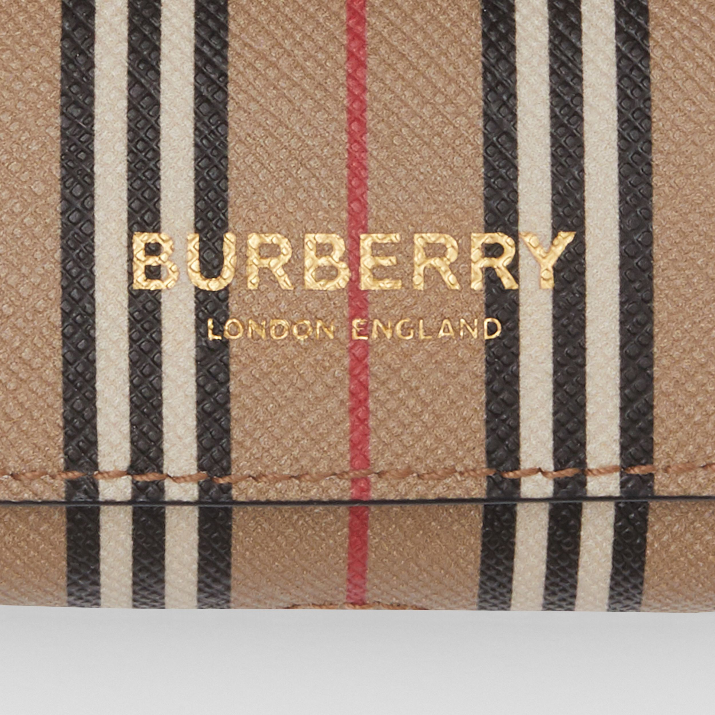 Custodia per AirPod Pro in e-canvas con iconico motivo a righe (Beige Archivio) | Burberry - 2
