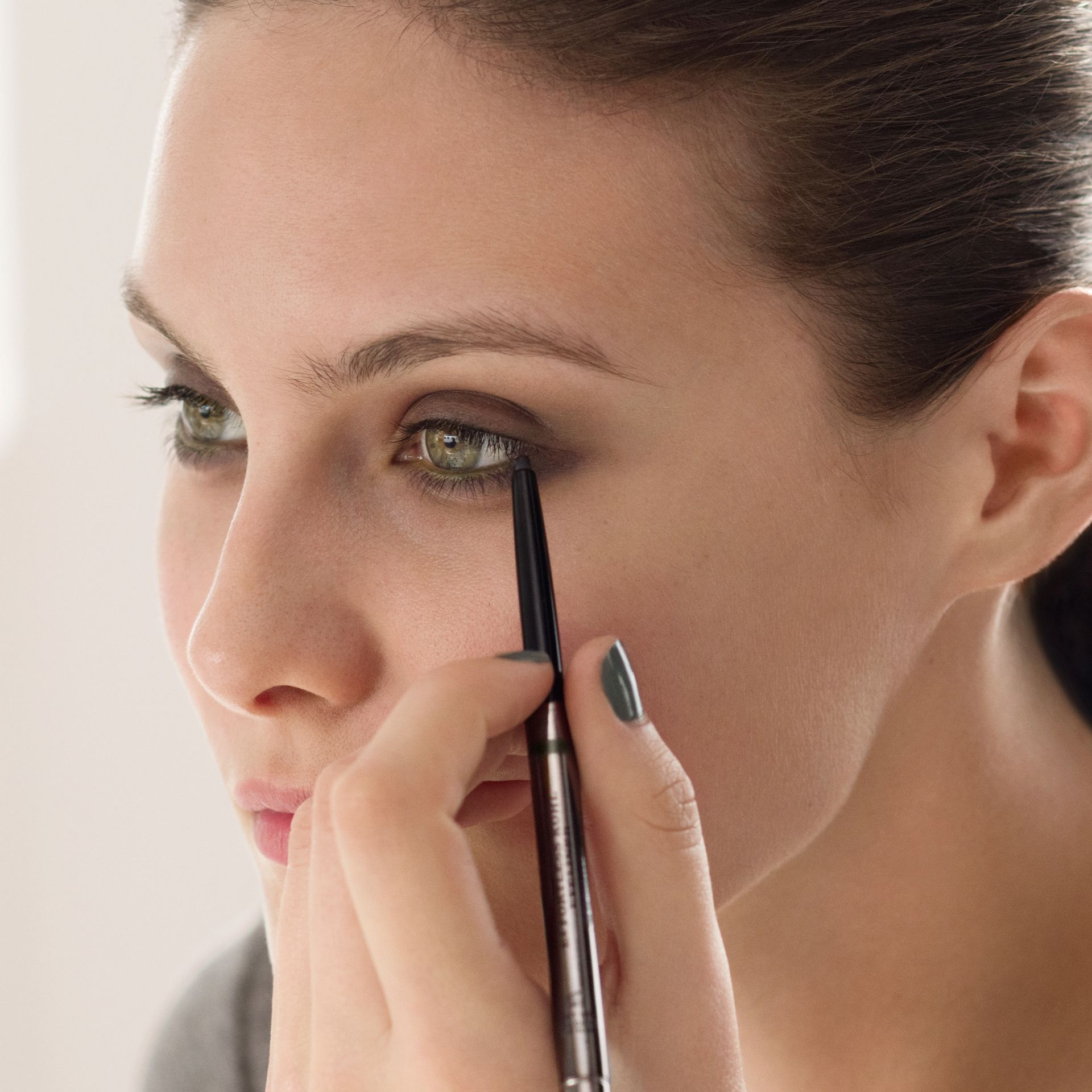 Effortless Kohl Eyeliner – Chestnut Brown No.02 - Women | Burberry Canada - gallery image 3