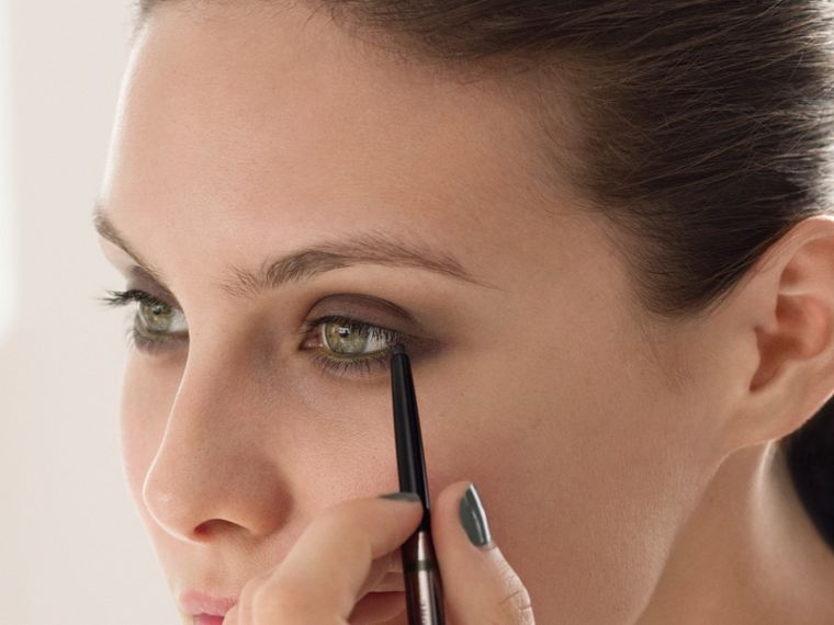 Effortless Kohl Eyeliner – Chestnut Brown No.02 - Femme | Burberry - cell image 2