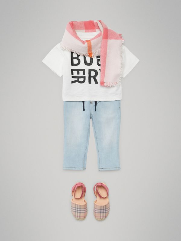 Logo Print Cotton T-shirt in White - Children | Burberry Canada - cell image 3
