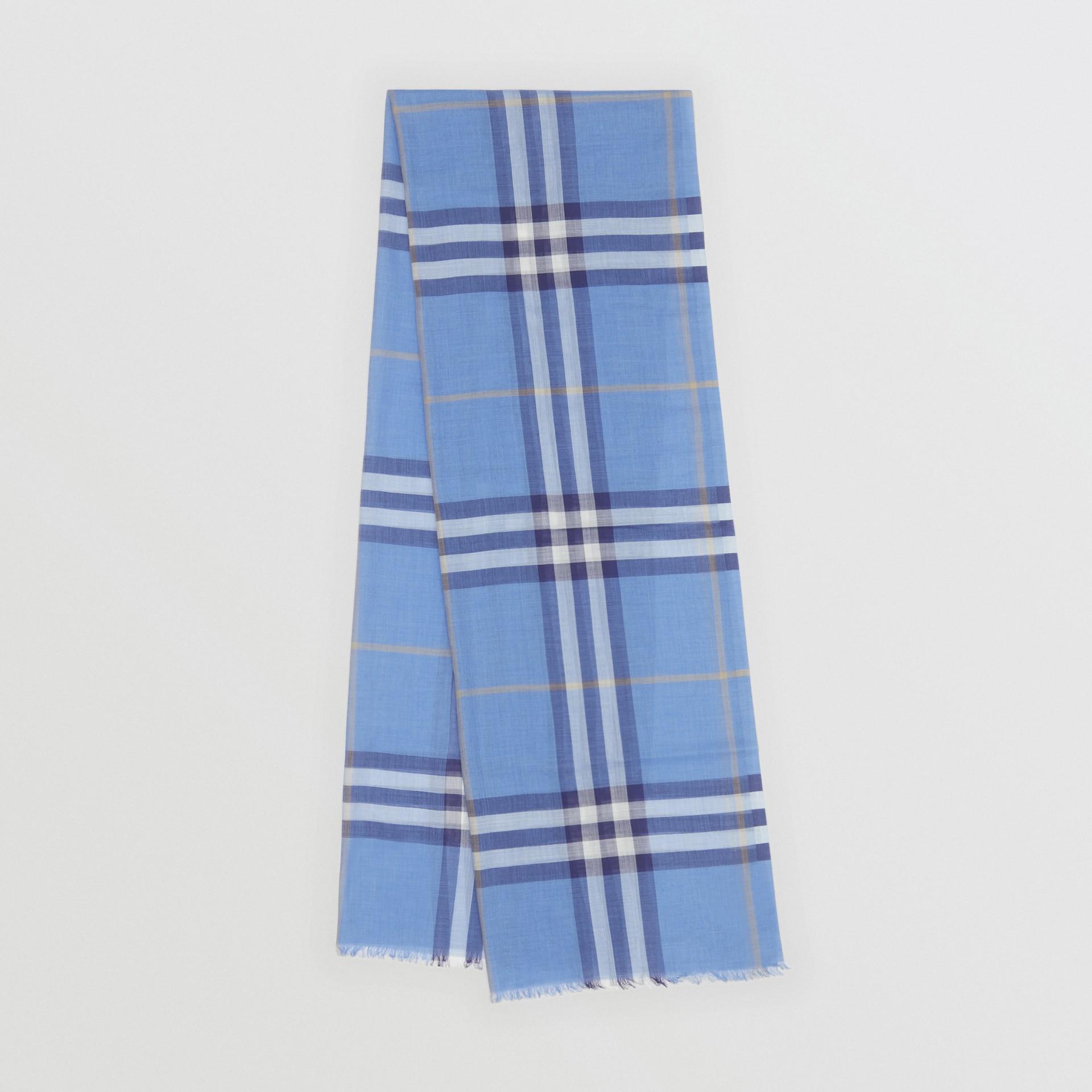 Leichter Schal aus Wolle und Seide mit Karomuster (Glockenblumenfarben) | Burberry - Galerie-Bild 0