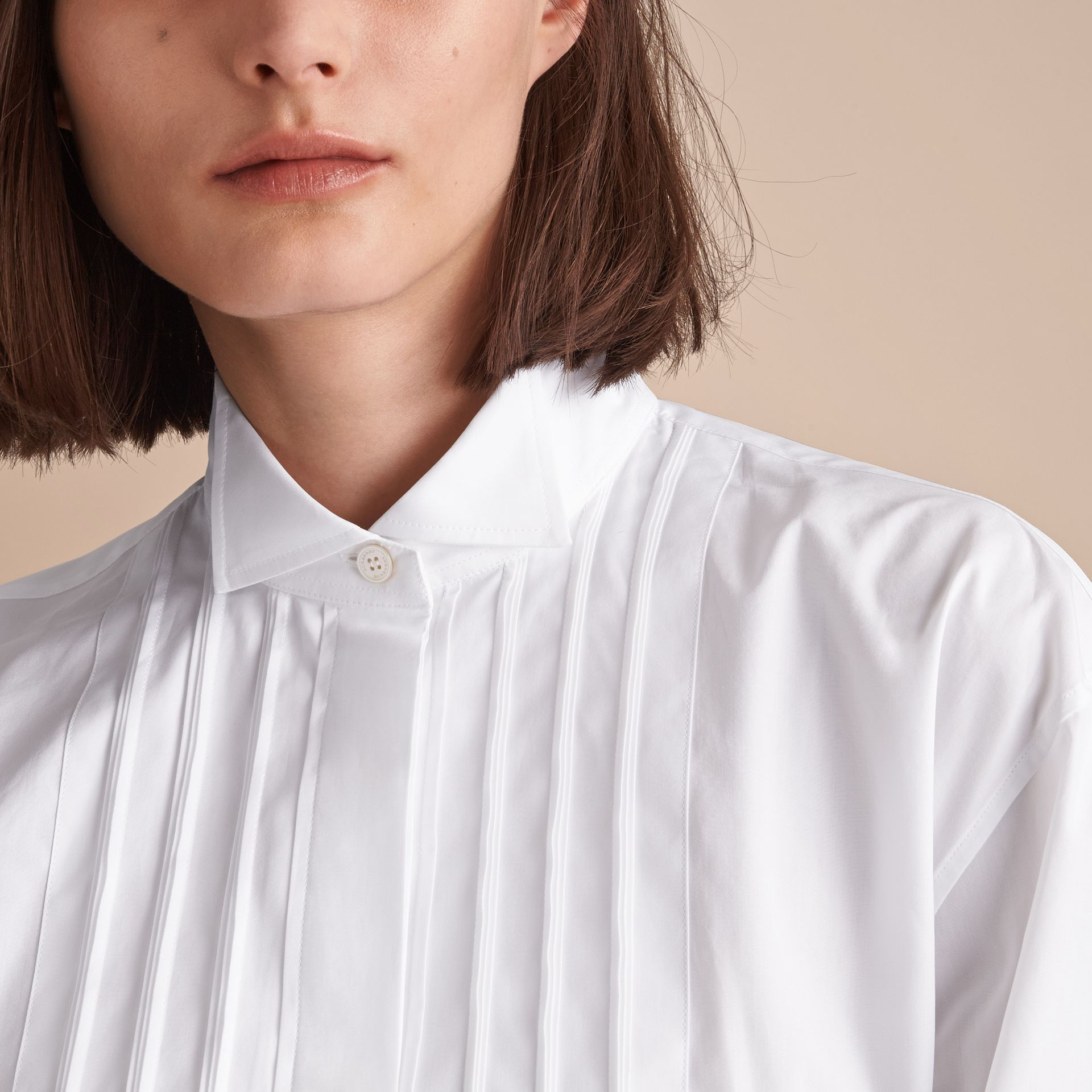Tie-waist Wing Collar Cotton Poplin Shirt Dress in White - Women | Burberry - gallery image 4