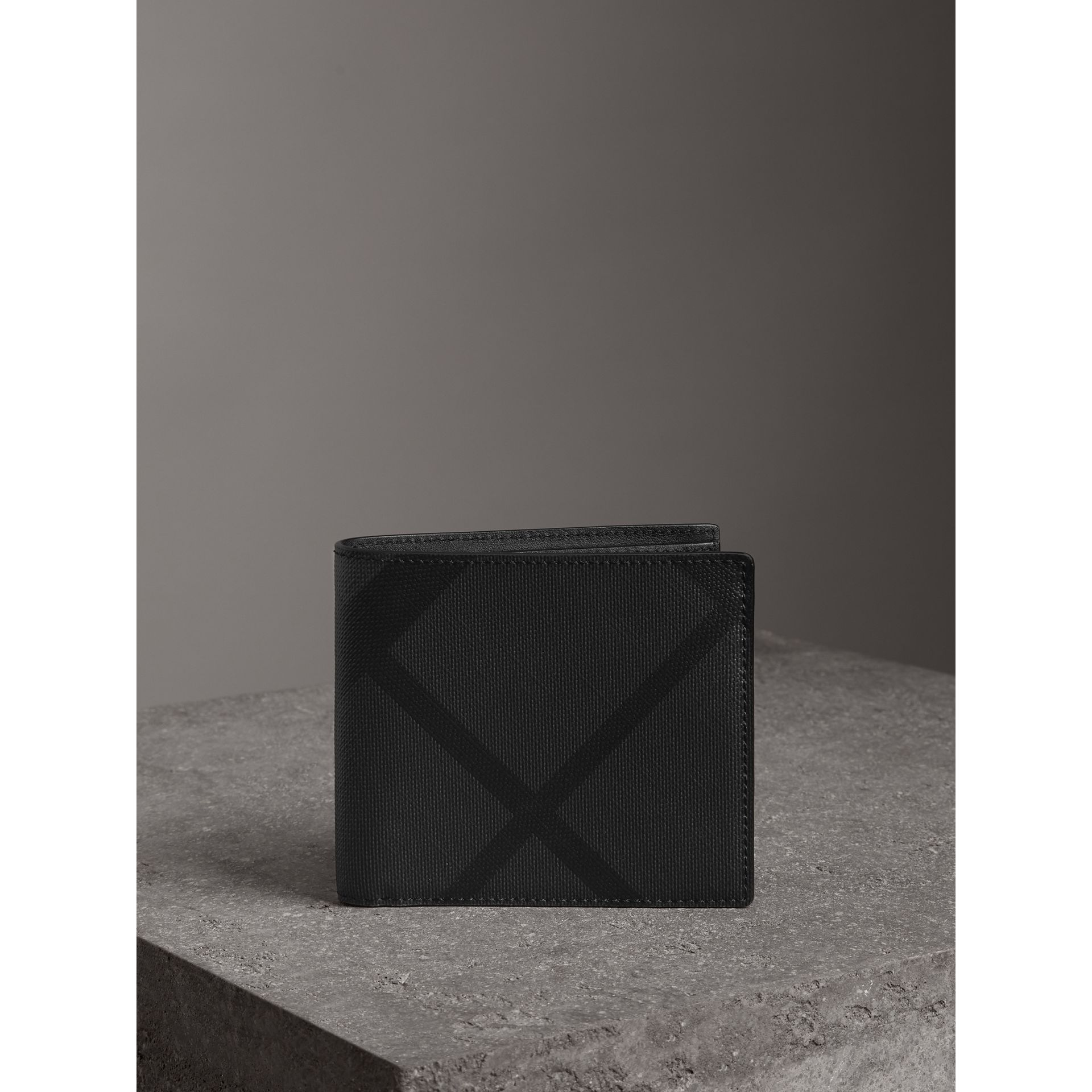 London Check International Bifold Coin Wallet in Charcoal/black - Men | Burberry Canada - gallery image 4