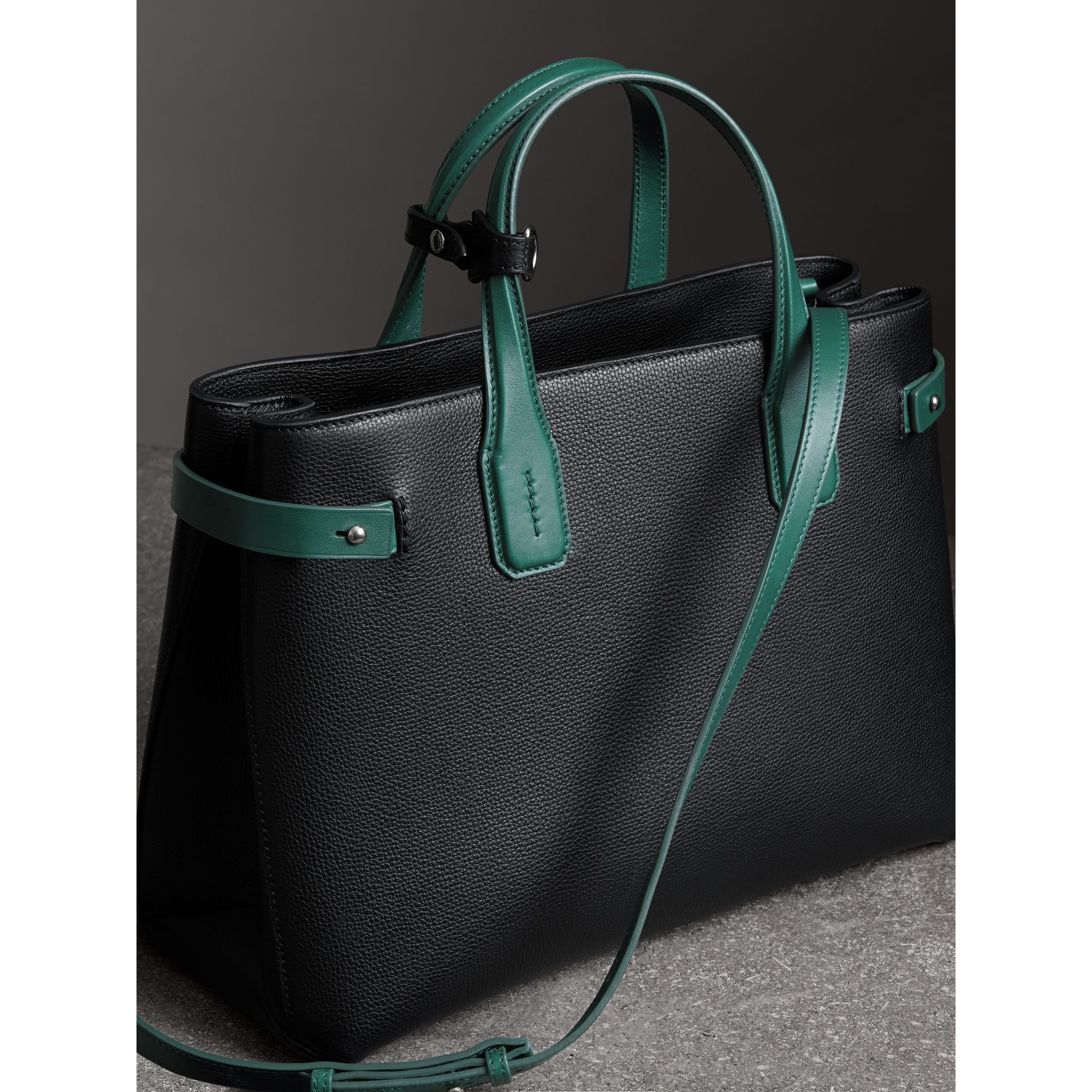The Medium Banner in Two-tone Leather in Black/sea Green - Women | Burberry - gallery image 2