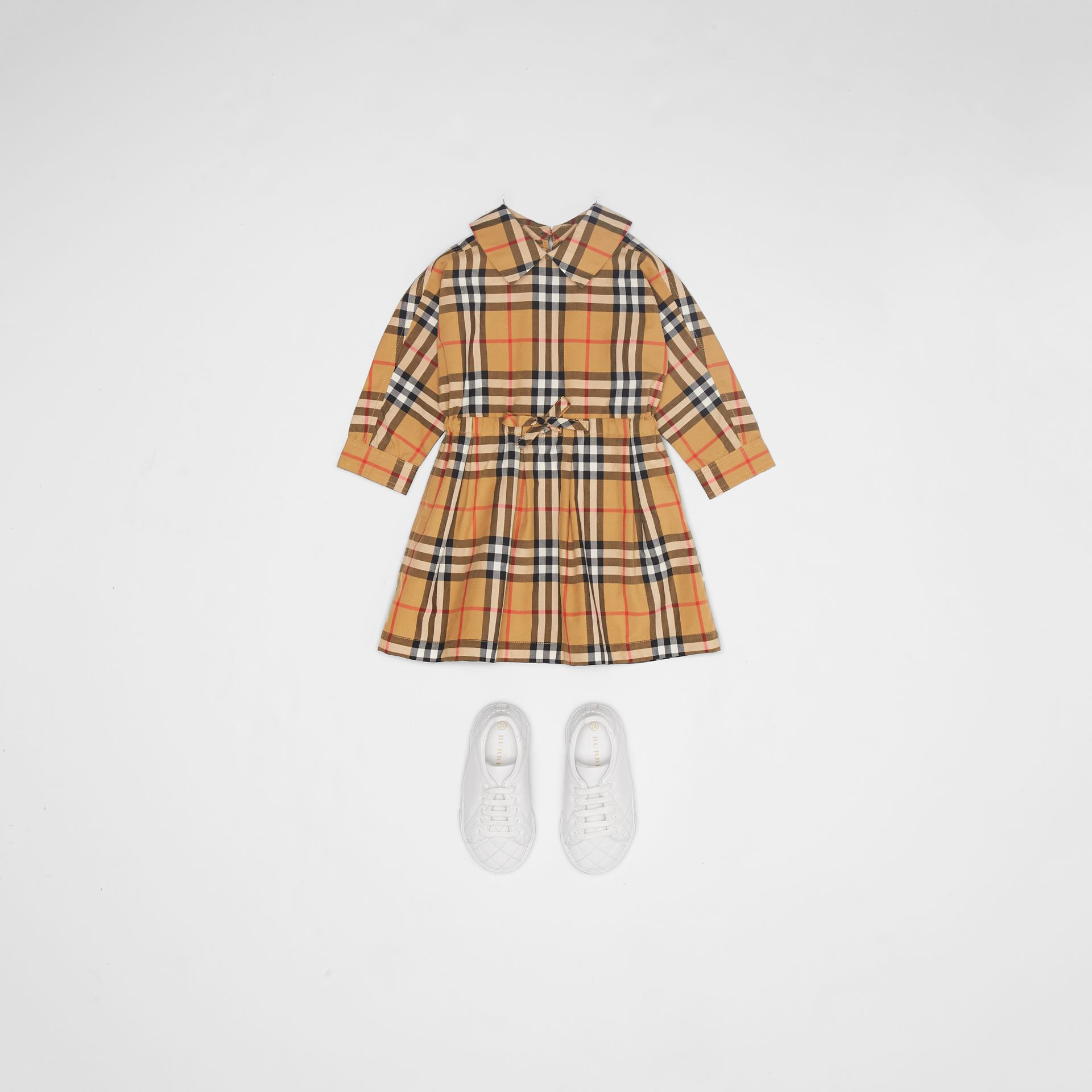 Robe à cordon de serrage en coton à motif Vintage check (Jaune Antique) - Enfant | Burberry - photo de la galerie 2