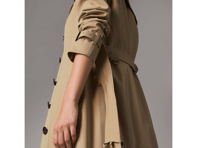 The Sandringham – Extra-long Trench Coat in Honey - Women | Burberry Canada - cell image 4