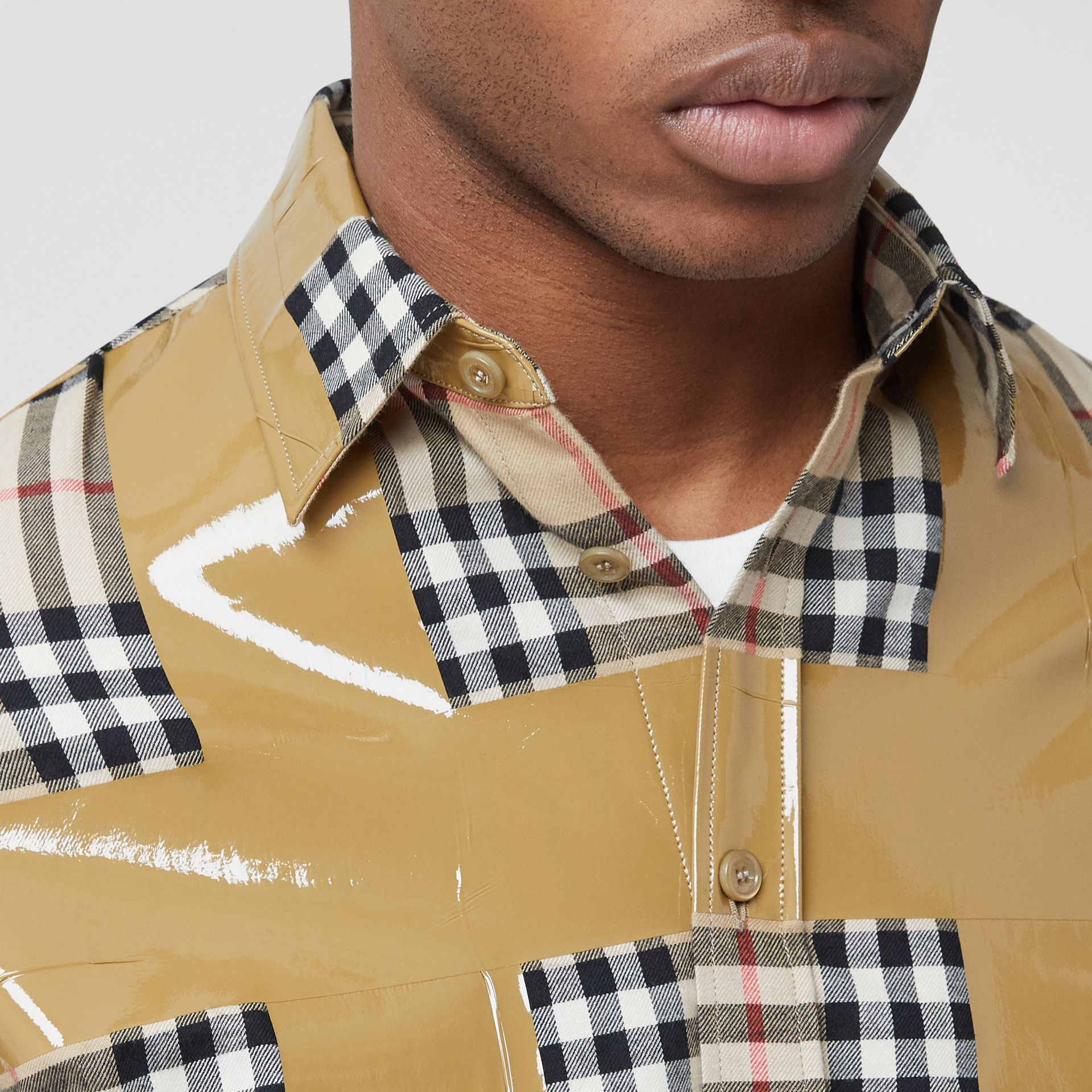 Tape Detail Vintage Check Cotton Oversized Shirt in Archive Beige - Men | Burberry United Kingdom - gallery image 4