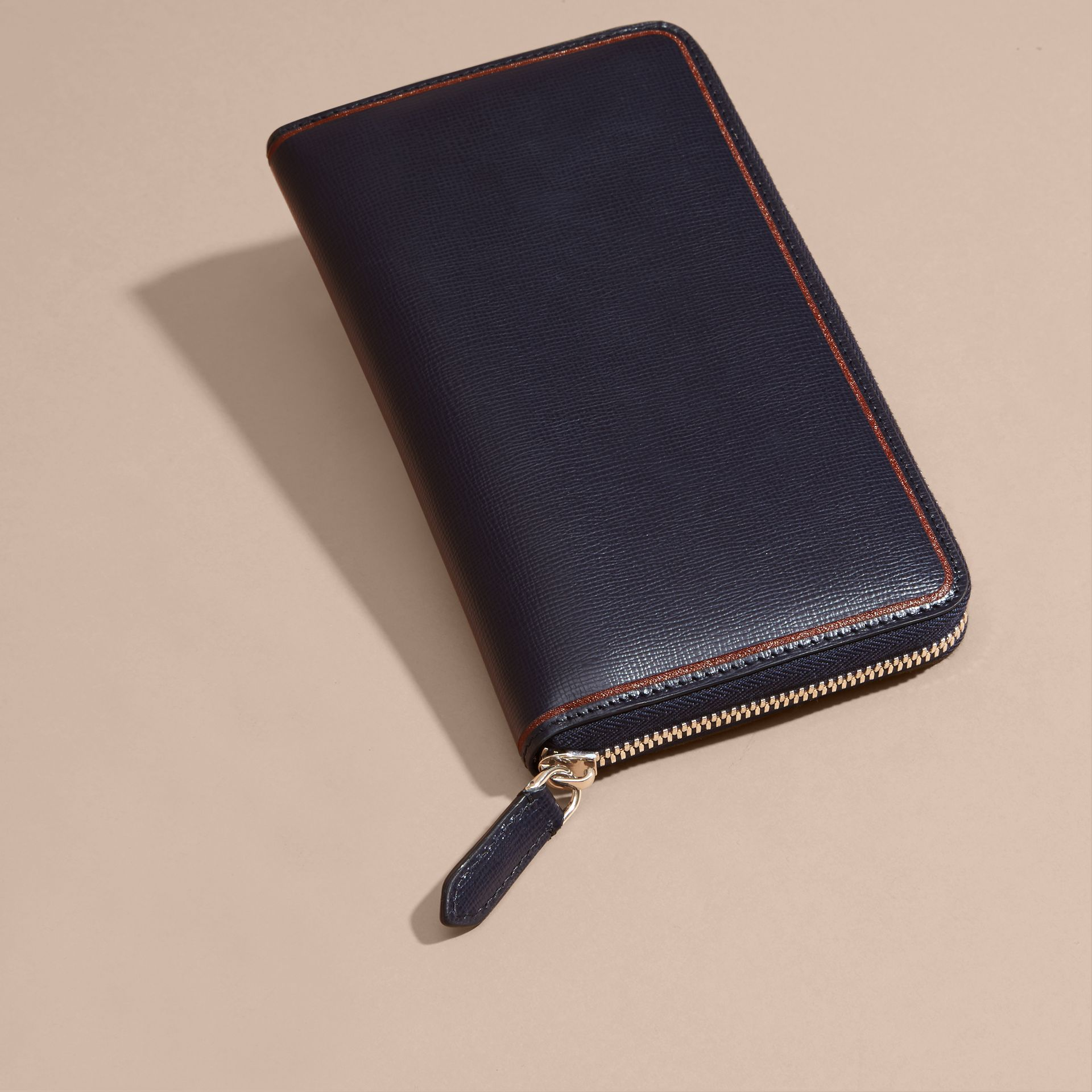 Border Detail London Leather Ziparound Wallet Dark Navy - gallery image 3