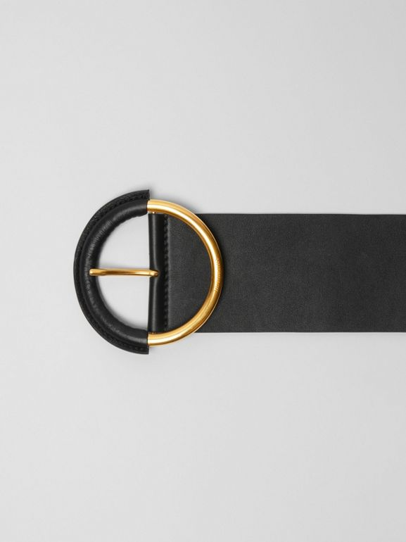 Round Buckle Leather Belt in Black - Women | Burberry - cell image 1