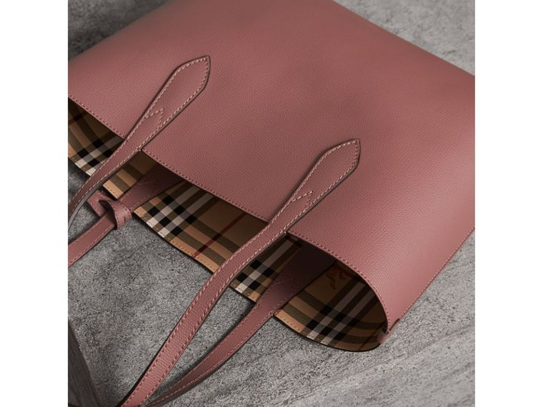 The Small Reversible Tote in Haymarket Check and Leather in Light Elderberry - Women | Burberry United Kingdom - cell image 4