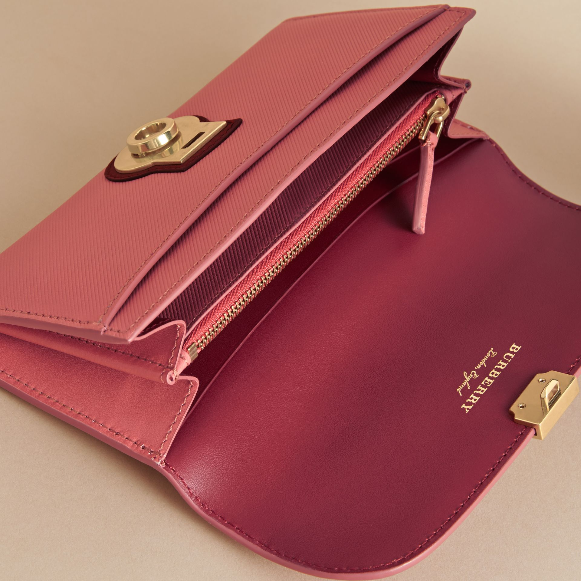 Two-tone Trench Leather Continental Wallet in Blossom Pink/antique Red - Women | Burberry - gallery image 5