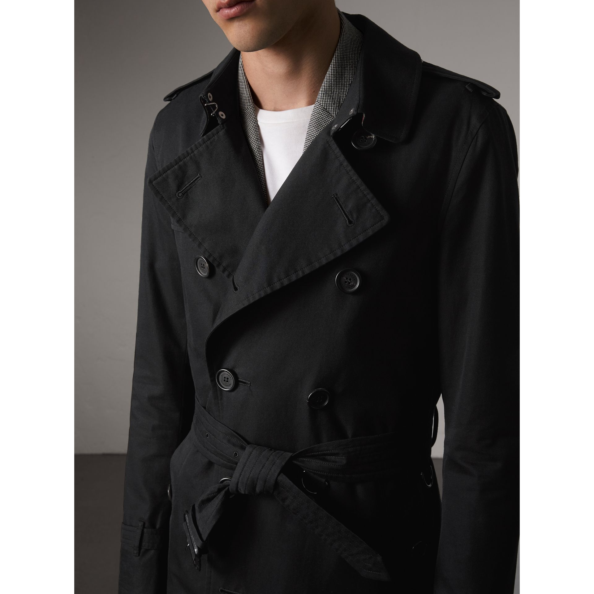The Sandringham – Long Trench Coat in Black - Men | Burberry Singapore - gallery image 4