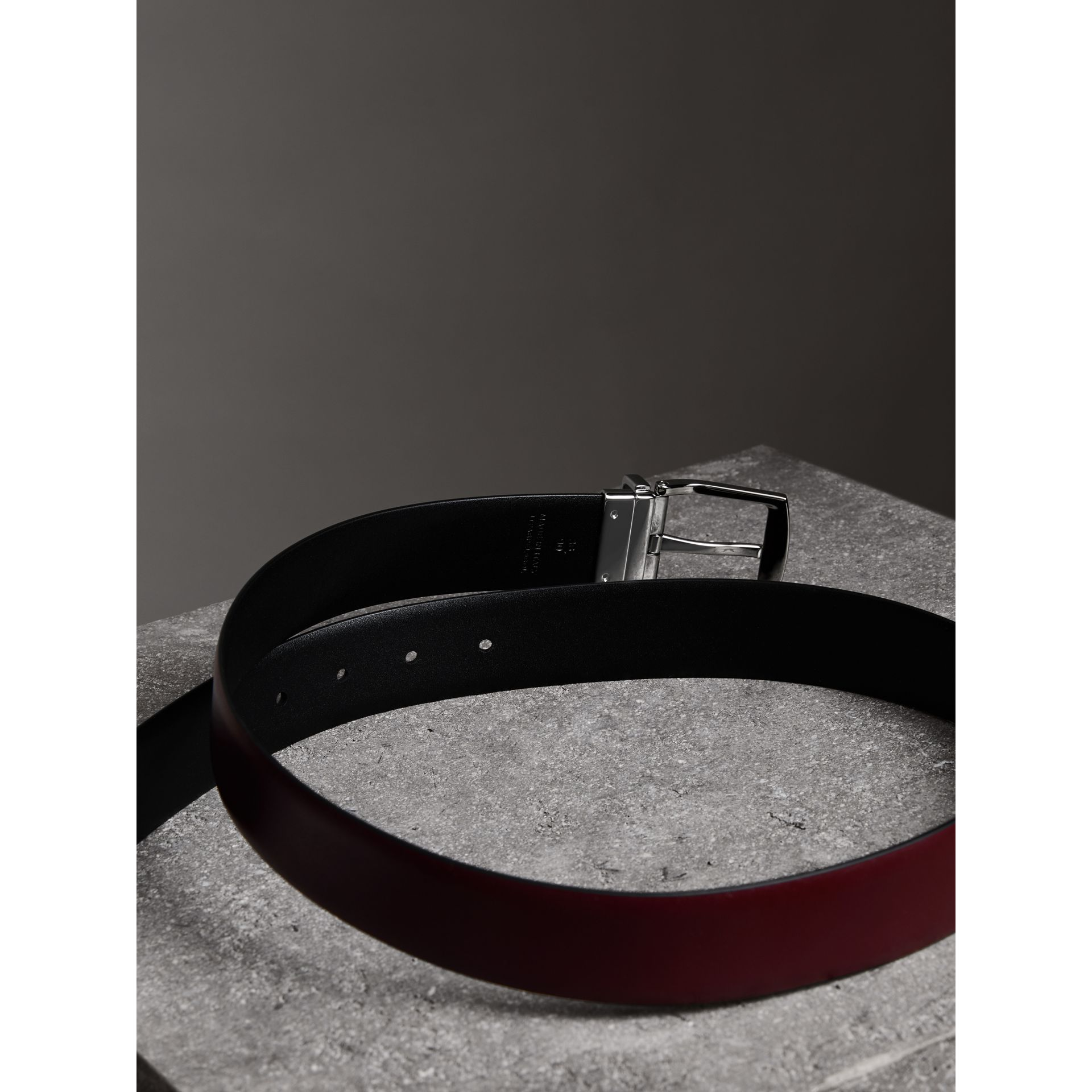 Reversible Leather Belt in Auburn - Men | Burberry United Kingdom - gallery image 3