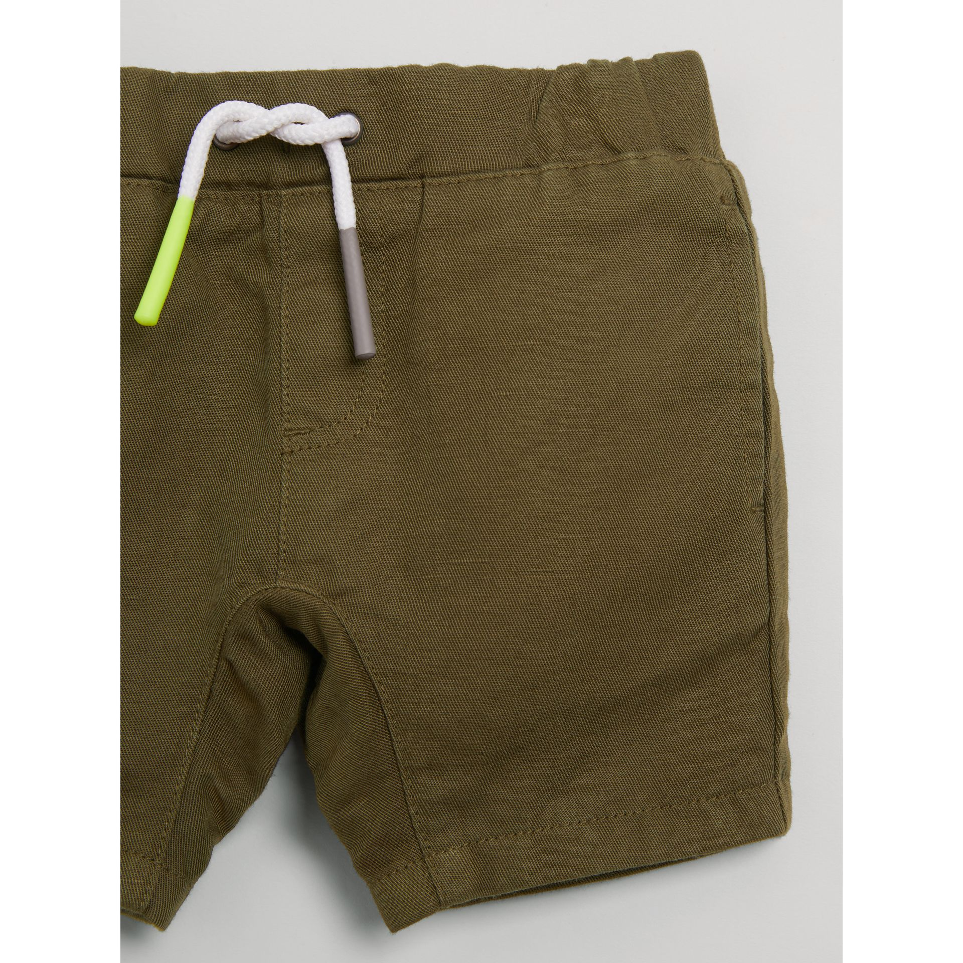 Drawcord Cotton Linen Twill Shorts in Olive | Burberry - gallery image 4