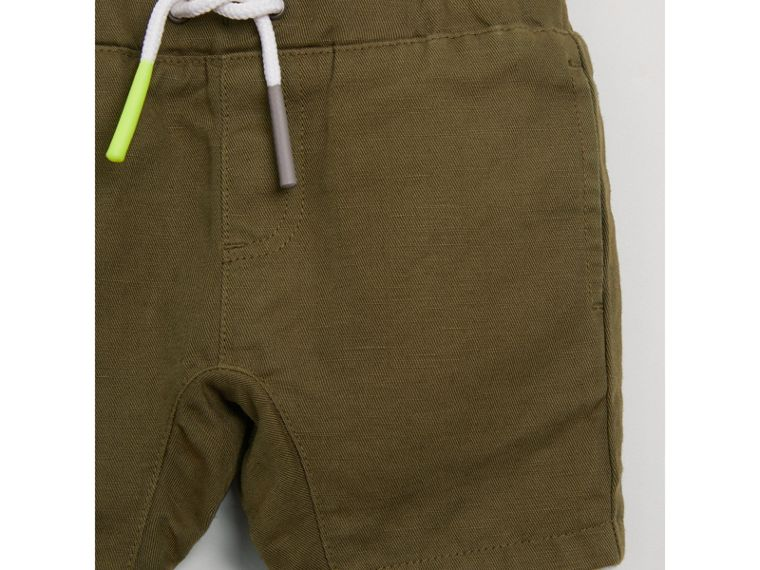 Drawcord Cotton Linen Twill Shorts in Olive | Burberry - cell image 4