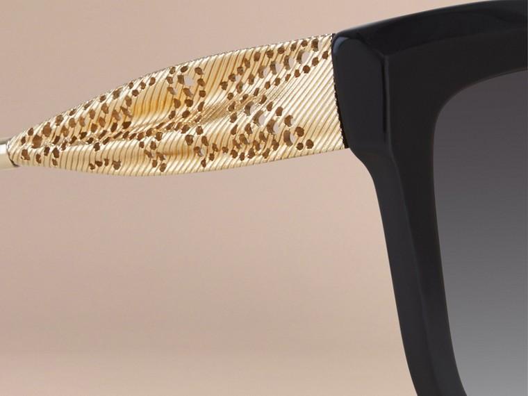 Preto Óculos de sol com armação quadrada da coleção Gabardine Lace Preto - cell image 1