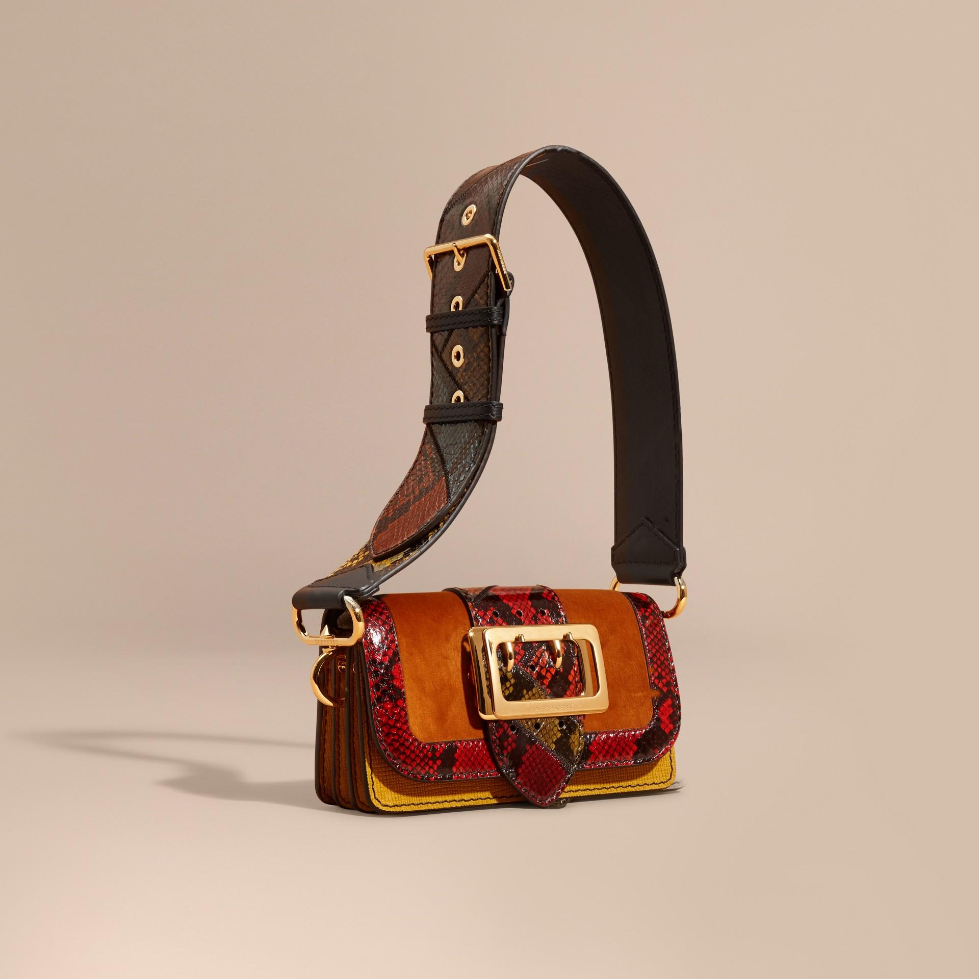 Colores variados Bolso Patchwork en terciopelo y ante con textura - imagen de la galería 1
