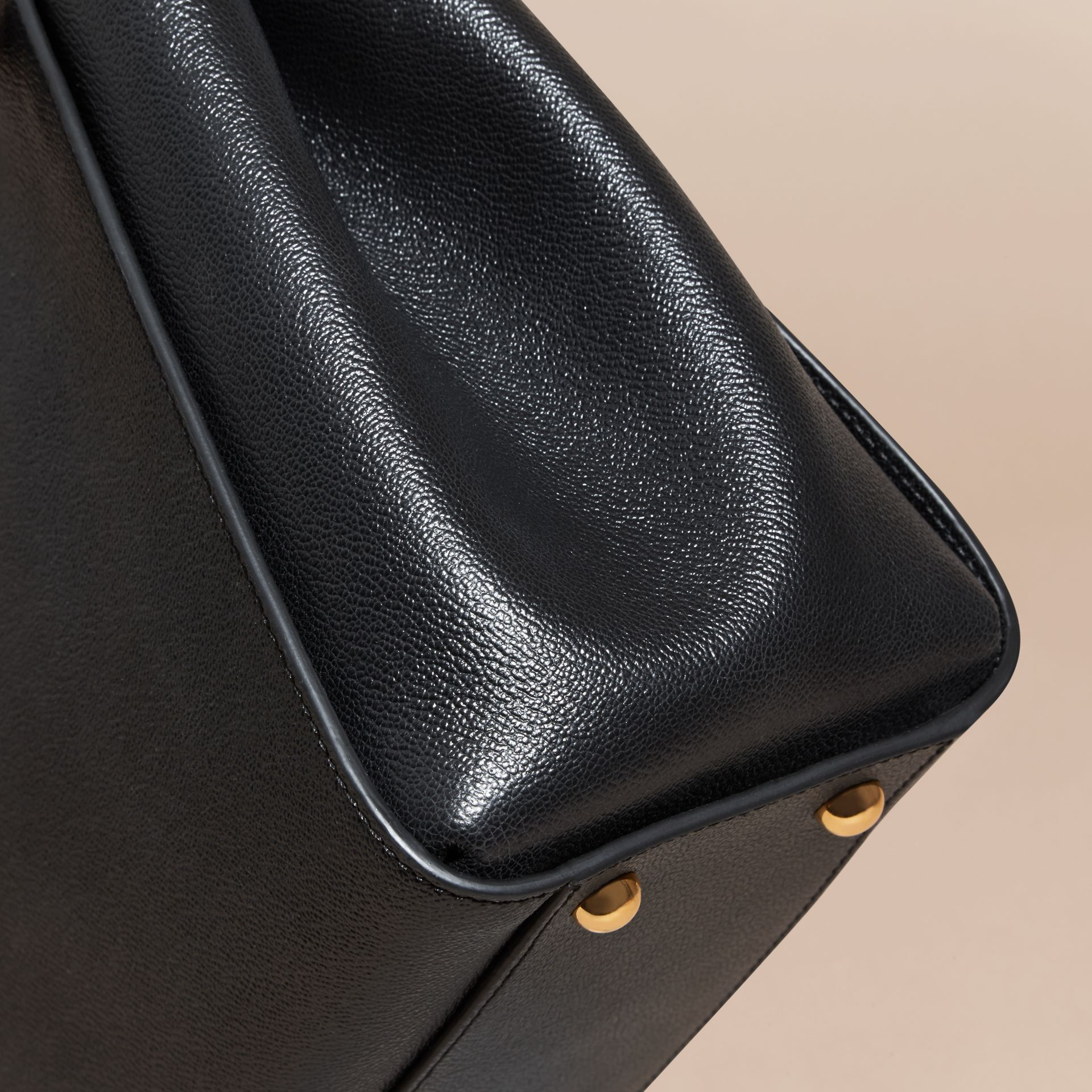 The Medium Buckle Tote in Grainy Leather Black - gallery image 7