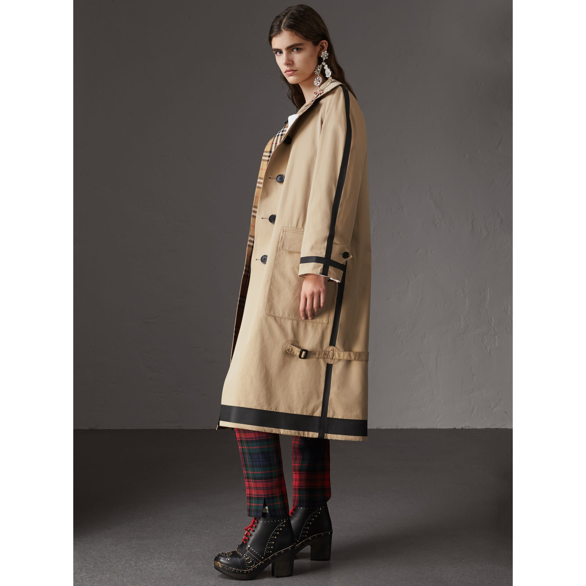 Reversible Vintage Check Gabardine Car Coat in Antique Yellow - Women | Burberry Australia - gallery image 4